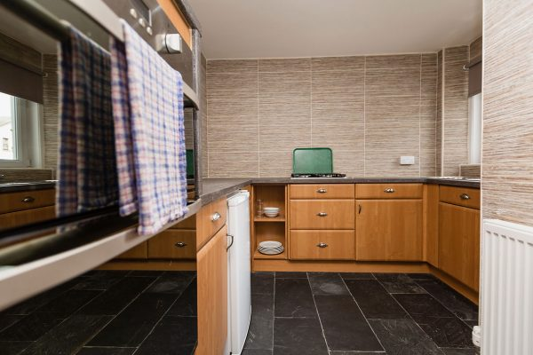 Apartment-Kitchen-1-600x400